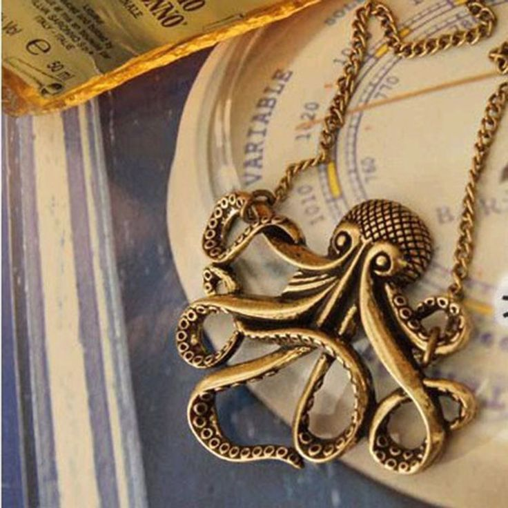 Vintage Pirates of the Caribbean Davy Jones Octopus Long Sweater Necklace