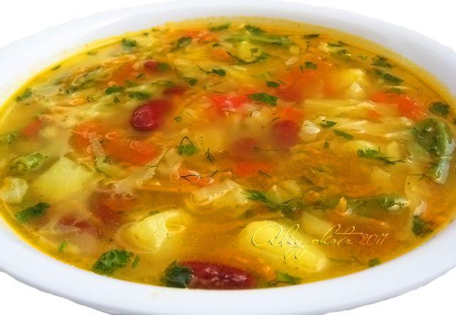 Кулинарная книга Алии: 31. Щи из свежей капусты с зеленой и красной фасолью