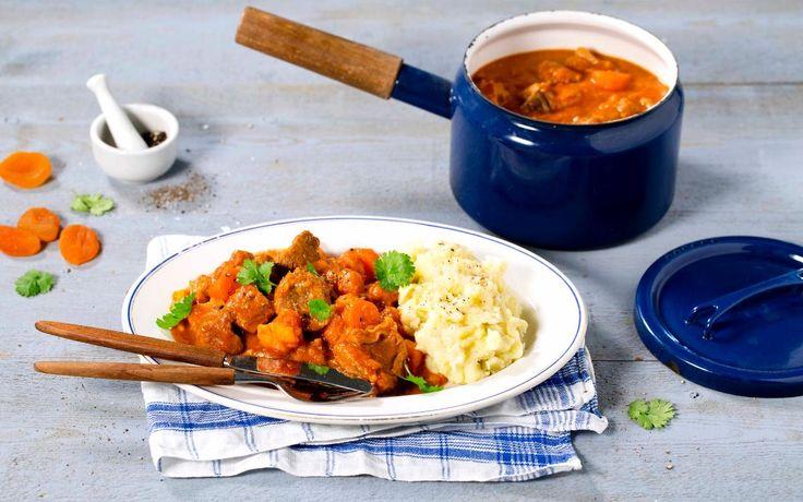 Lam i gryte med eksotiske smaker fra Marokko er en hit på menyen. Potetmos er perfekt tilbehør til denne retten.
