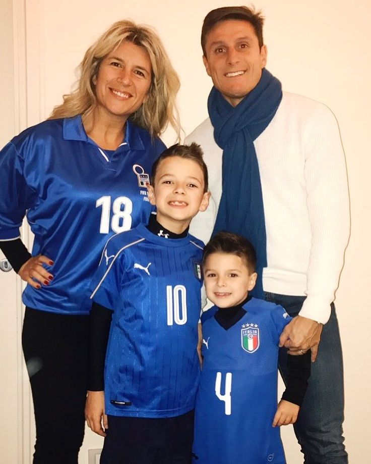 """7,304 Likes, 170 Comments - Javier Zanetti (@javierzanetti) on Instagram: """"Tutti a San Siro a tifare per l'Italia!!! 💪🏼💪🏼🔵🔵🔵🔵🇮🇹🇮🇹 FORZA AZZURRI!!! #RIMONTIAMOLI #italiasvezia…"""""""