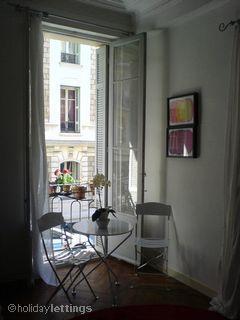 Balconette with indoor/outdoor seating