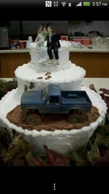 country redneck wedding cake with a four wheeler instead of truck haha mud pinterest. Black Bedroom Furniture Sets. Home Design Ideas