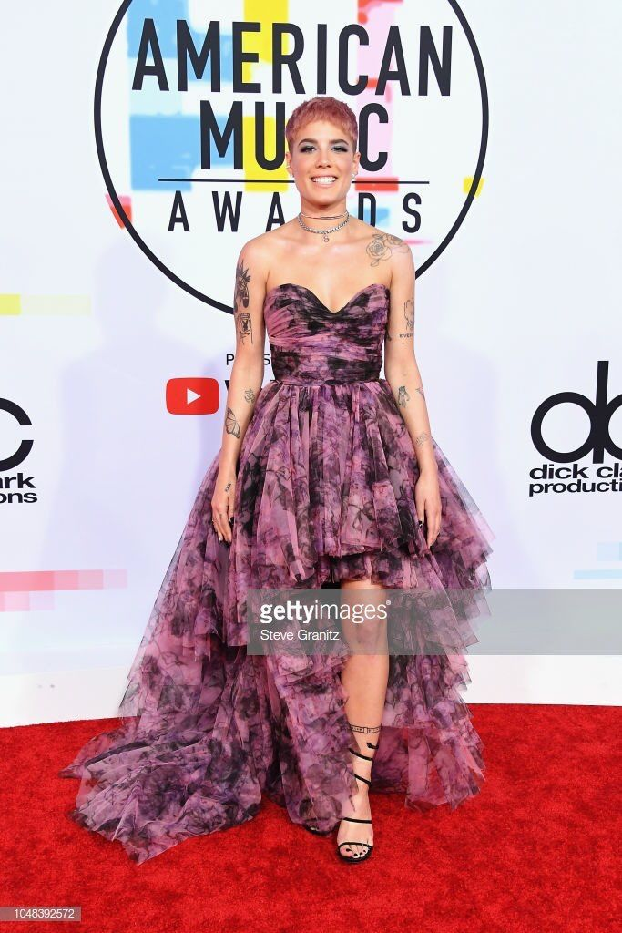 Pin By On Halsey Halsey Style Red Carpet Dresses American Music Awards
