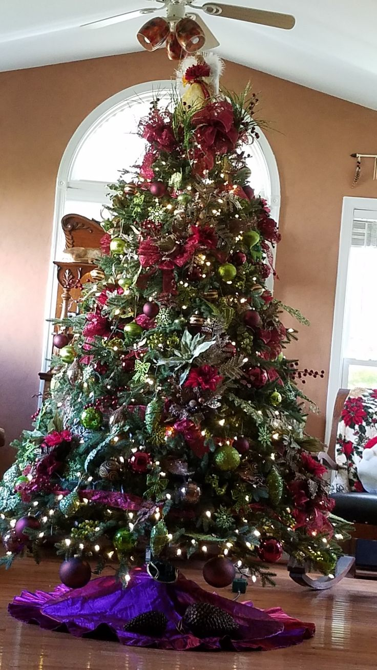 Decorative garden trees  Pin by Angela Avila on christmas  Pinterest  Christmas Beautiful