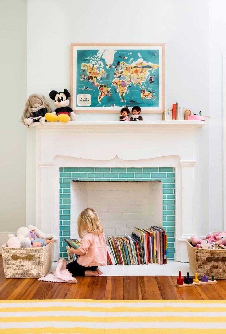 Камин в интерьере: 140 избранных идей для гостиной и тонкости каминного искусства http://happymodern.ru/kamin-v-interere-140-foto-gostinaya-s-kaminom/ Фальш-камин в дизайне детской