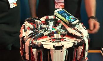 LEGO Robot Solve a Rubik's Cube in a  Record 3.25 Seconds LEGO Robot Video Above is the CubeStormer 3, which just hauled in the Guinness World Record for analyzing and solving a Rubik's cube in 3.253 seconds.