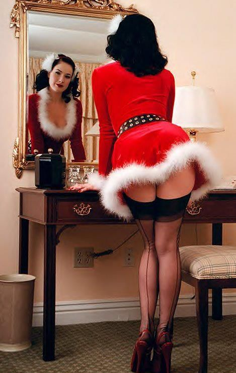 68 best Christmas Pin-ups images on Pinterest | Vintage holiday ...