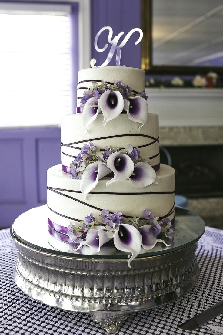 wedding cake with purple calla lilies 25 best ideas about calla cake on 26945