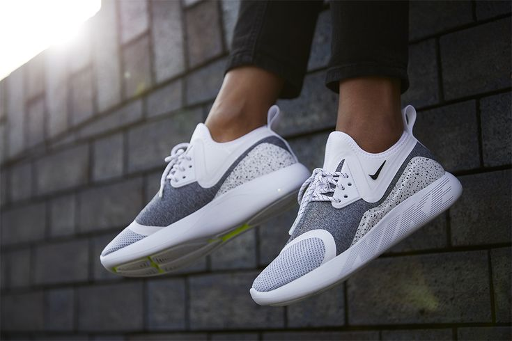 "Damskie Nike Lunarcharge ""White / White / Black"""