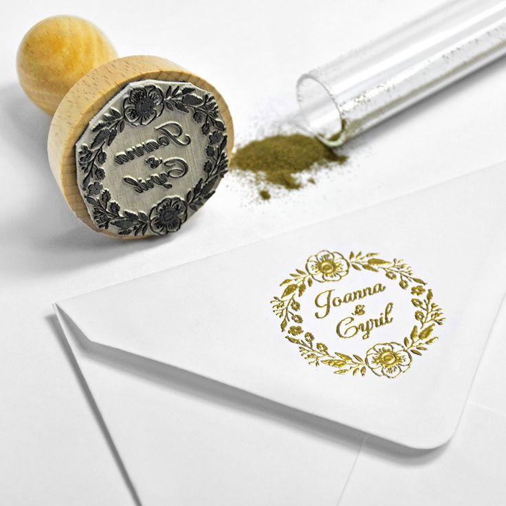 tampon personnalis dor chaud avec de la poudre embosser parfait pour votre mariage - Tampon Embossage Mariage
