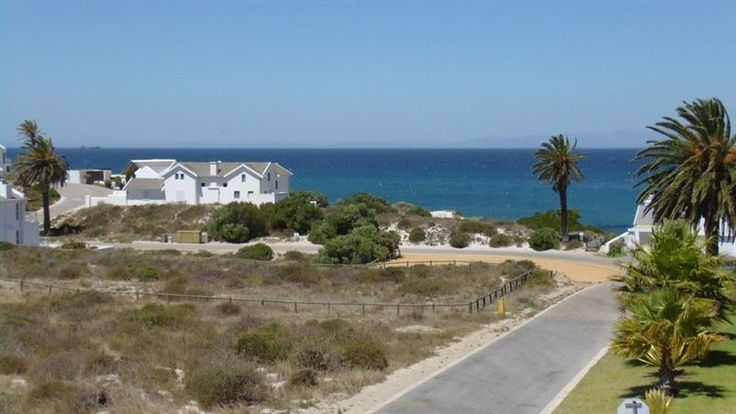 Shelley Point Steps to the Beach - Shelley Point Steps to the Beach offers a tranquil getaway in the seaside suburb of Shelley Beach.  It is a great choice for guests visiting St Helena Bay in this scenic part of the West Coast.  This lovely ... #weekendgetaways #shelleypoint #southafrica