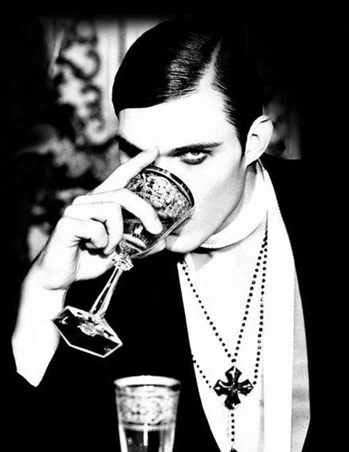 Absinthe är en mytomspunnen alkoholhaltig spritdryck som man aldrig tröttnar på…