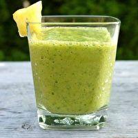 Mighty Kale Smoothie by Bonnie McGrew (Jugo Juice rip off)
