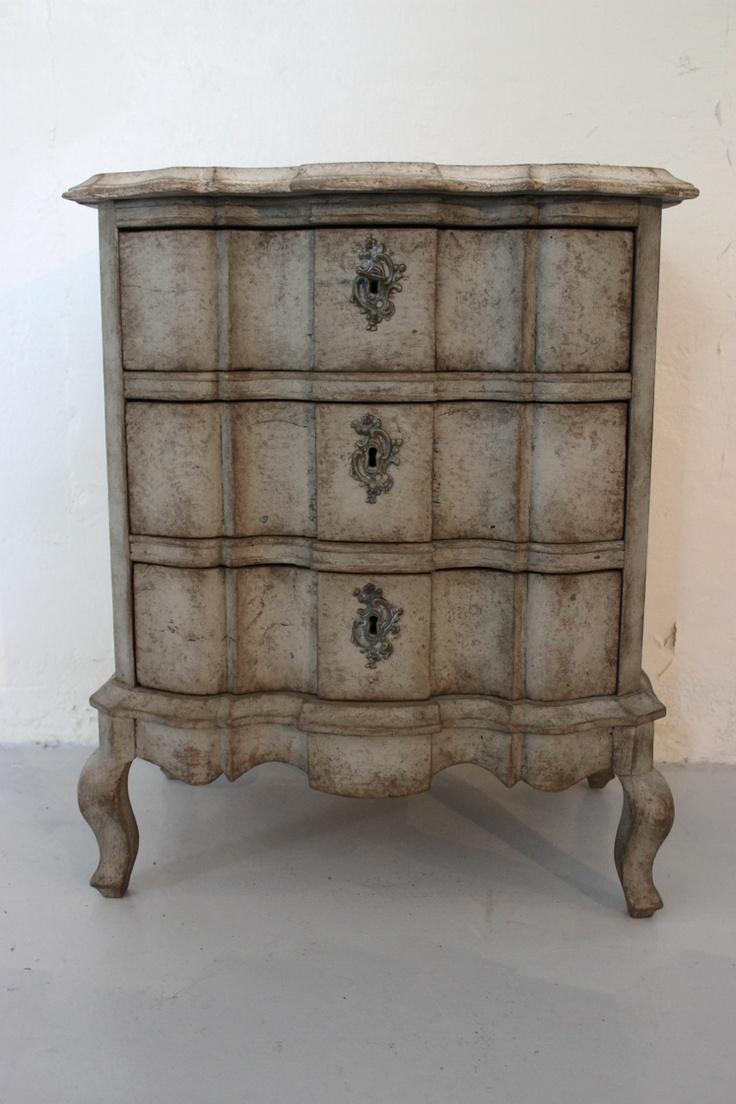 Rococo style chest, ca. 1900.