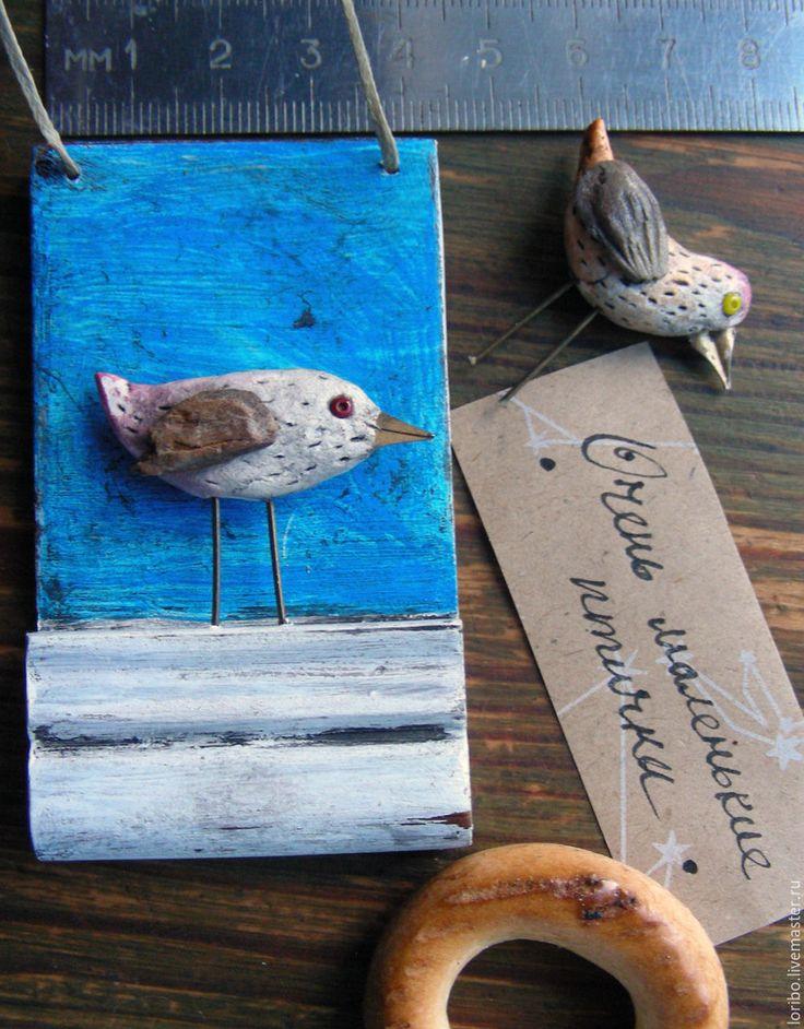 Купить Птичка на подоконнике (миниатюрная картинка для украшения жилища) - малая пластика, старое дерево