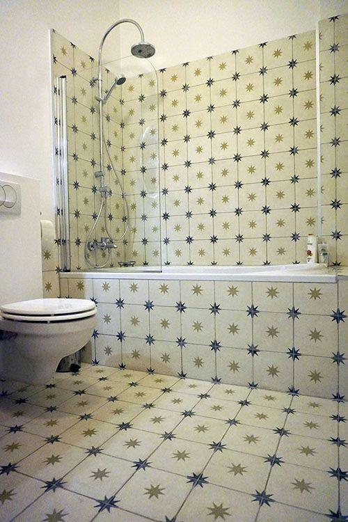 etoile cement tiles in a light colour version
