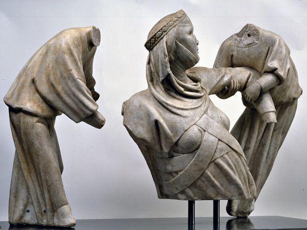 Monumento funebre a Margherita di Brabante di Giovanni Pisano - Descrizione dell'opera e mostre in corso - Arte.it