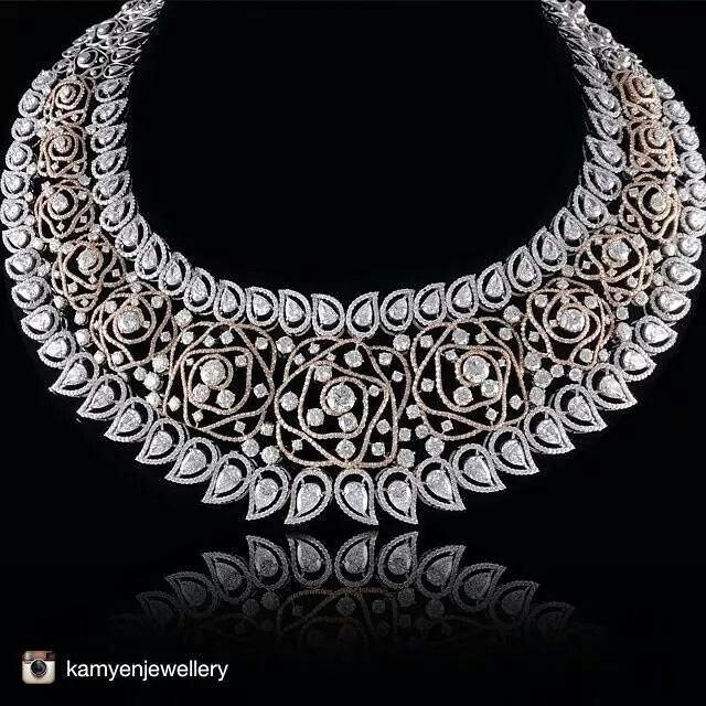 Another swoontastically magnificent diamond necklace from @kamyenjewellery with their New addition to their collection 1 ct pear and graduation. #jewelleryporn #jewelleryaddict