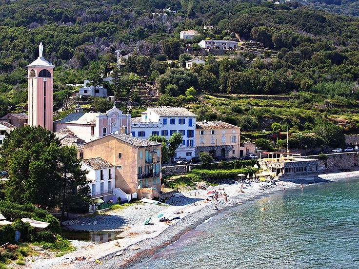 Brando- Plage du hameau de Lavasina (Haute-Corse)