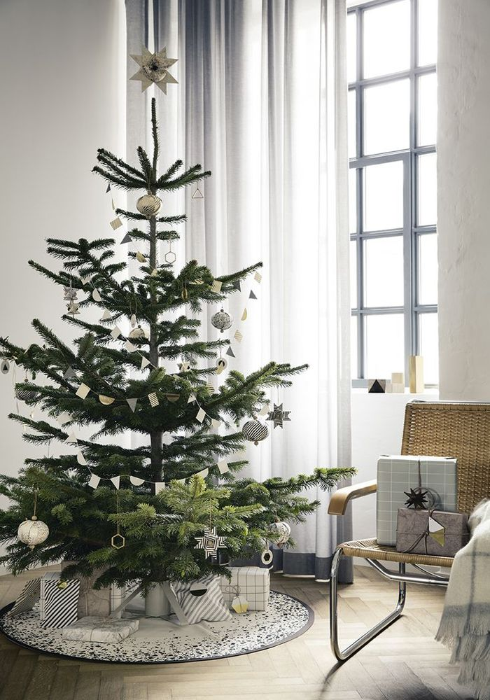 Scandinavian inspired Christmas tree:
