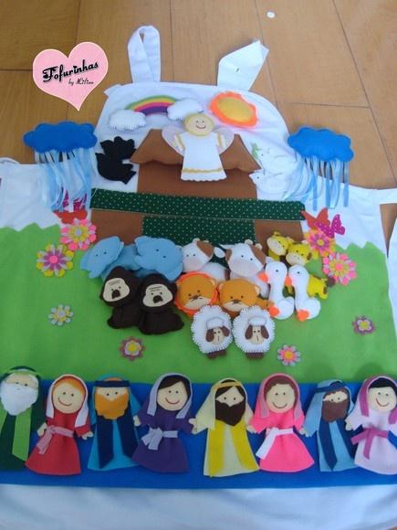 Avental de História da Arca de Noé. Acompanha casais de bichinhos: vaca, ovelha, gorila, burrinho, leão, elefante, girafa, pato, pomba, corvo (os animais podem variar, sendo 9 pares no total). Noé e sua esposa. Arco-íris. Duas nuvens de chuva. Sol. Anjo.  Você poderá acrescentar outros animais e também a família de Noé.  Para outras imagens visite: http://fofurinhasdalilian.blogspot.com/search/label/Avental R$150,00