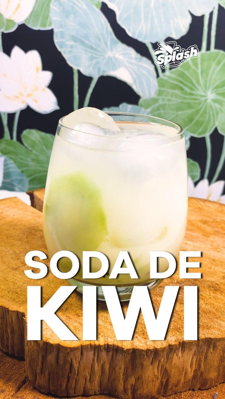 Refreshing Drinks, Summer Drinks, Smoothie Drinks, Smoothie Recipes, Bar Drinks, Alcoholic Drinks, Mojito Recipe, Fruit Water, Starbucks Drinks