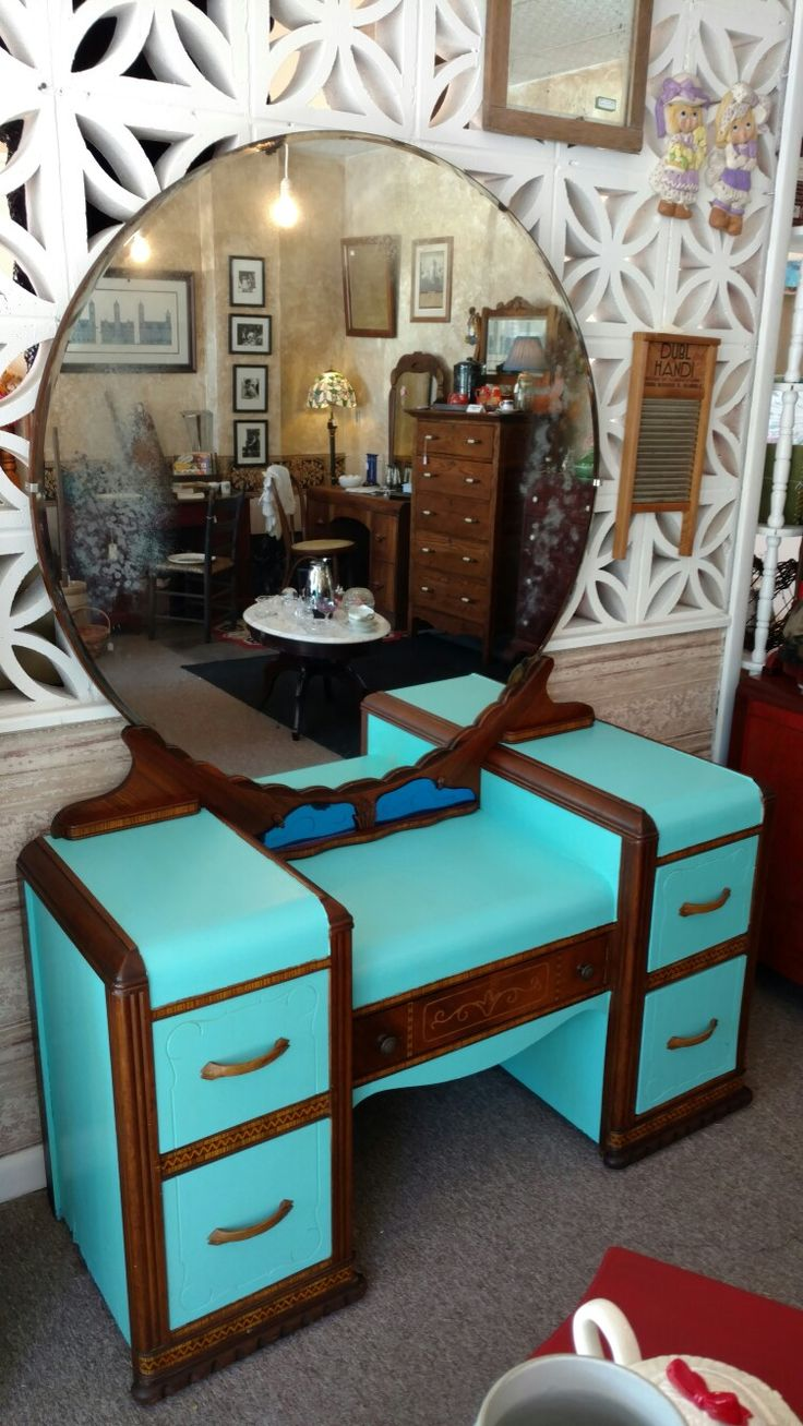Vintage 1940 S Waterfall Vanity Furniture Makeover Cute