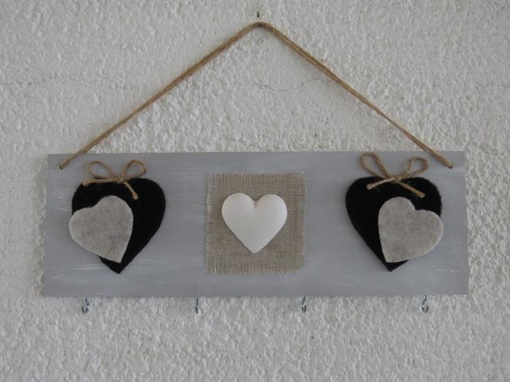 Porta collane da parete con cuori