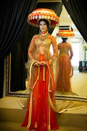 Vietnamese clothes