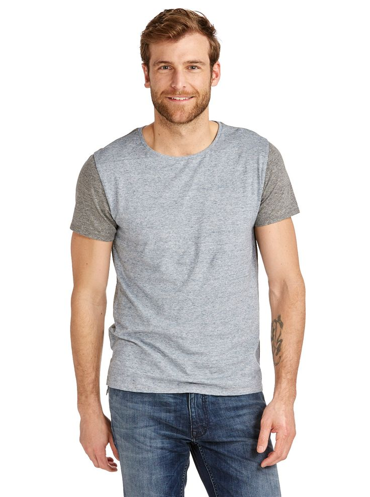 Look sexy with this!   Contrast Sleeve Crew Neck Tee http://www.fashion4men.com.au/shop/just-jeans/contrast-sleeve-crew-neck-tee/ #CharcLghtBlue, #Clothing, #Contrast, #Crew, #JustJeans, #Men, #Neck, #New, #Sleeve, #Tee