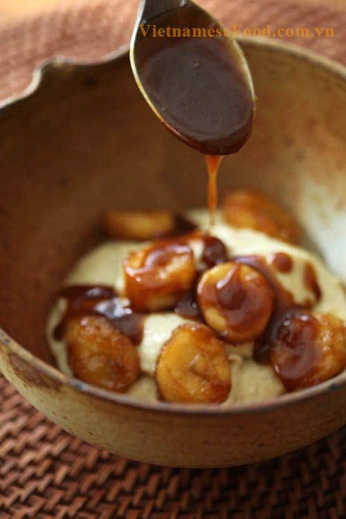 Looks like indonesian food 'Jenang Grendul' :D | Caramel Sweet Soup with Banana (Chè Caramel Chuối)