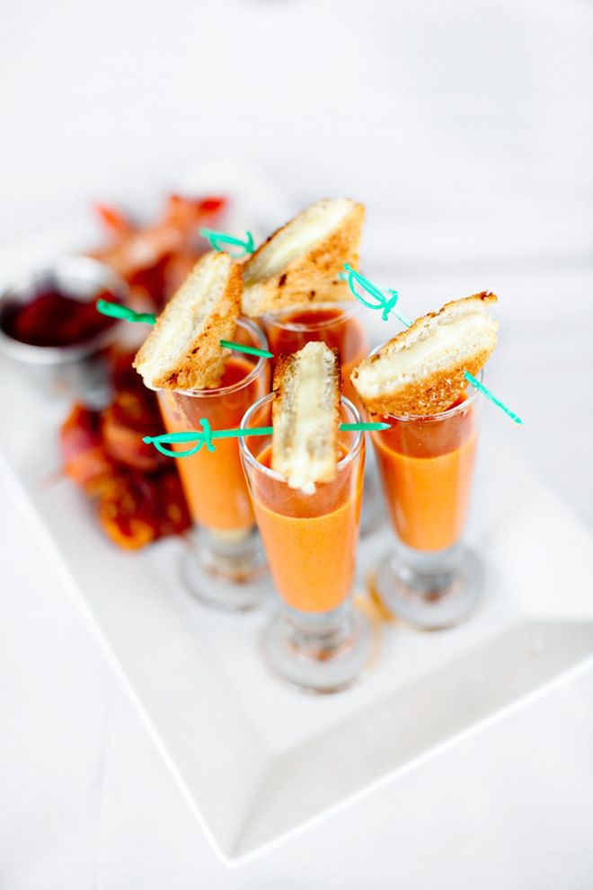 {Wedding Trends} : Cute and Comfort Food ~ Grilled Cheese and Tomato Soup Shooters... yummy!