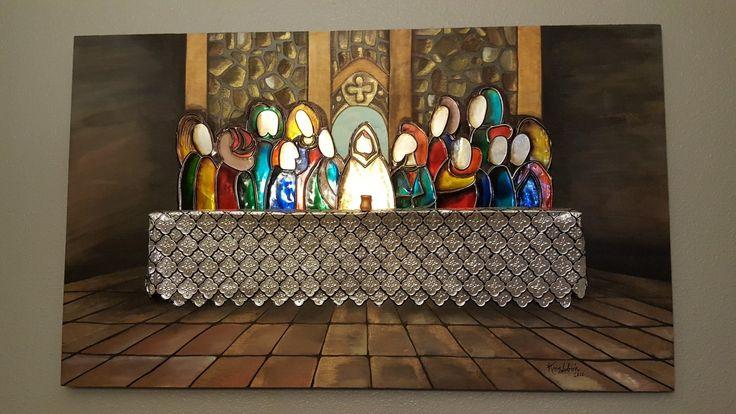 Santa Cena en repujado y pintura