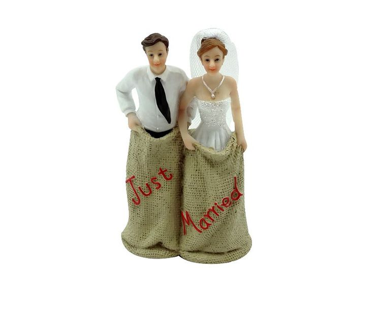 Decorations for your wedding cakes.  PRICE:  R350.  Polyresin material, Size +- 12cm.  Color changes can be made to these toppers using acrylic paints. Price excluding R60 shipping.  Bloemfontein no shipping charges applicable.  For more info & orders, email SweetArtBfn@gmail.com or call 0712127786
