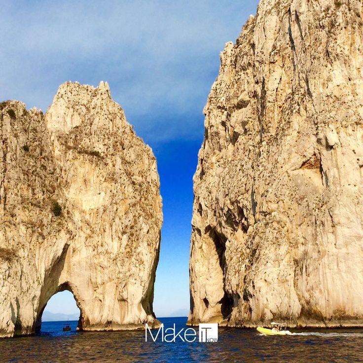 MakeItNow Naples #naples #napoli #italy #italia #capri #isola #mare #sea #faraglioni #bluesky #lovethis #viaggi #travel