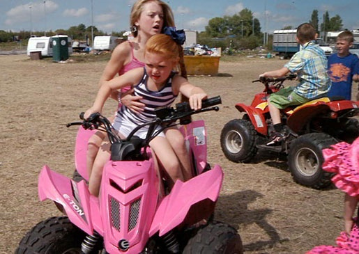 If gypsy girls are going to drive ATVs, you can bet they'll be pink!: Gypsy Kids, Kid Pictures, Gypsy Wedding, Kids Pictures, Tv Show, Wedding Photos, Atv Utv Dirtbikes, Driving Atv