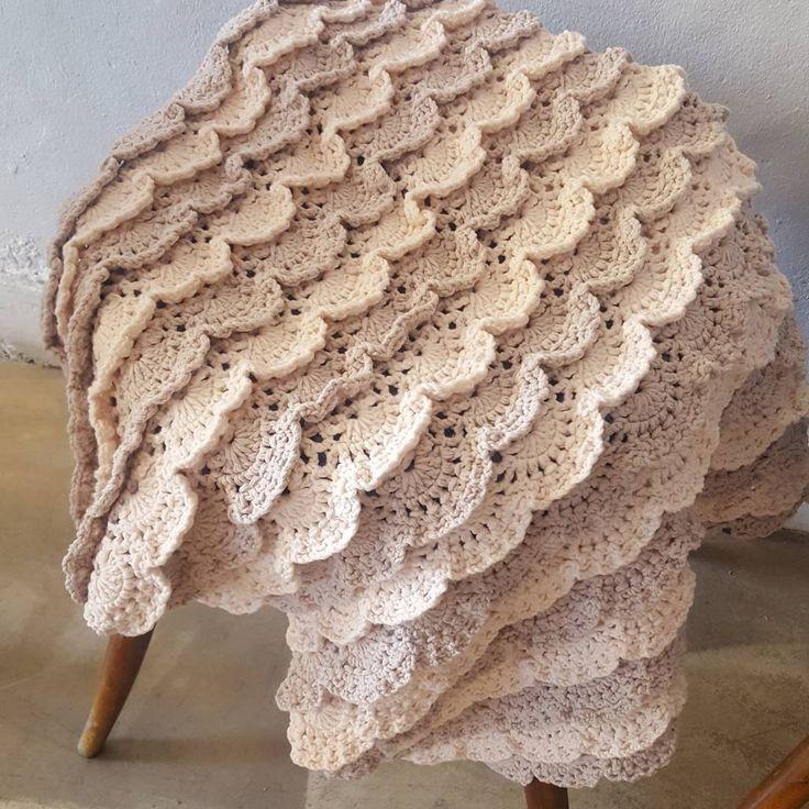 "Instagram의 홀리가든 crochet 니팅바이앤(@anjs2004_)님: ""#첫줄 #뜨개 #start #뜨개블랭킷  #손뜨개 #뜨개질 #크로쉐 #니팅  #베이비블랭킷 #레이스뜨기 #레이스 #crocheting #crochetblanket #örgü…"""