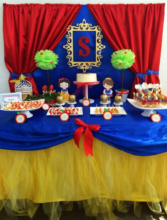 Gorgeous Snow White Birthday Party See More Ideas At CatchMyParty