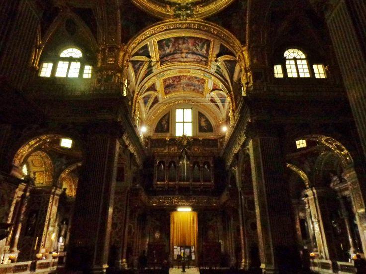 http://genova72h.altervista.org/una-vera-perla-barocca-la-chiesa-del-gesu/