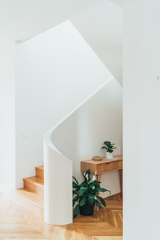 Gorgeous curved stairwell