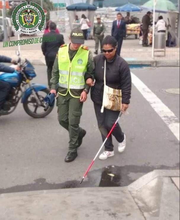 La voluntad de ayudar a las personas que lo necesitan sin esperar nada a cambio... por eso soy Policía.
