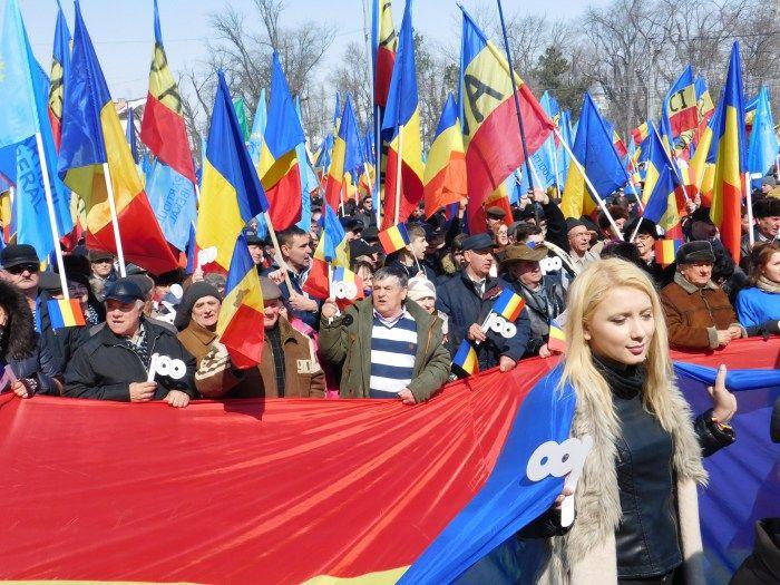 Fetele cu sânge Tricolor de la Botoșani. Ce nu vei vedea la televizor :http://www.informatorulbt.ro/fetele-cu-sange-tricolor-de-la-botosani-ce-nu-vei-vedea-la-televizor/