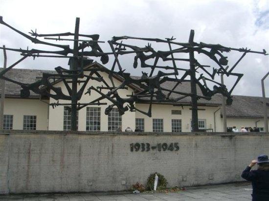 Villa De Vecchi Visit Tour