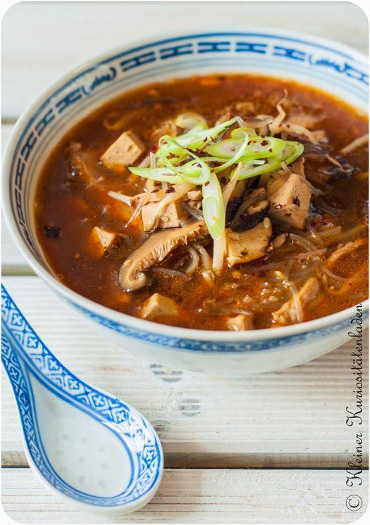 Scharf-saure Suppe, vegan und mit Fleisch