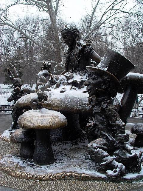 /  Alice in Wonderland statue in Central Park seen by Sneak Outfitters www.sneakoutfitters.com