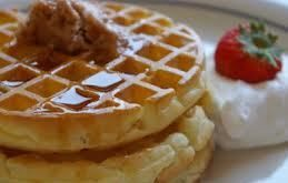 Recetasin Gluten / TACC Ingredientes: 3huevos 6 cucharadas deaceite 6 cucharadas deazúcar 240 grs. de premezcla Esencia de vainilla o anís o ralladura denaranja Procedimiento: Mezclartodohasta lograr unapastasemi liquida. Cocinaren la wafflera vuelta y vuelta. Se puedenacompañarconmermeladaapta,cremapastelera,dulce de lecheapto. …