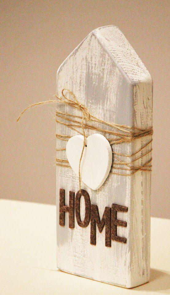 bemalte Holzblockhäuser ein Ahornblatt verwenden….