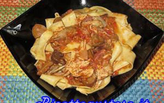 Ricetta pappardelle con faraona e funghi porcini #ricetta #facile #pappardelle #faraona