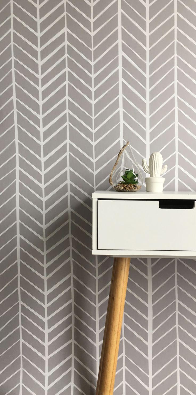 Zig Zag Stripe White on Dark Grey – BC Magic Wallpaper
