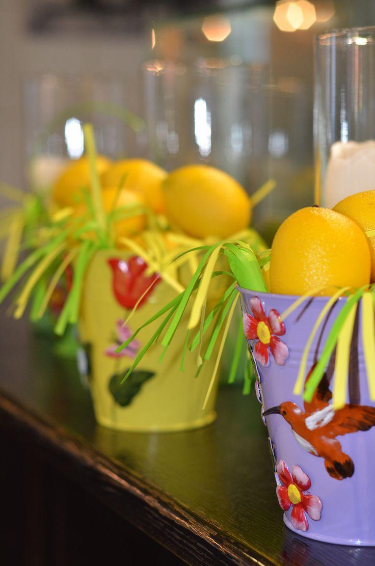 ведерка с лимонами и травкой